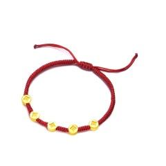 """周大福""""旺到飞起""""金钱币黄金转运珠红绳手链R21371"""