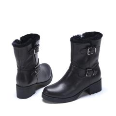 达芙妮(DAPHNE)舒适加绒简约圆头扣饰粗跟真皮短靴1016607027