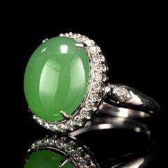 冰种满绿镶钻蛋面戒指