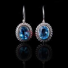 蓝色诱惑托帕石银耳钉 货号105969