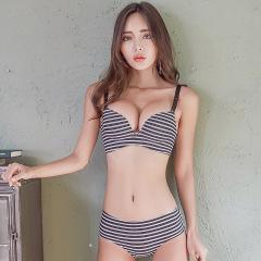 萌娜莉 SW0116 一片式无痕无钢圈内衣套装女日系性感聚拢条纹小胸罩学生文胸